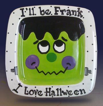 This plate is adorable! What a great Halloween decoration!