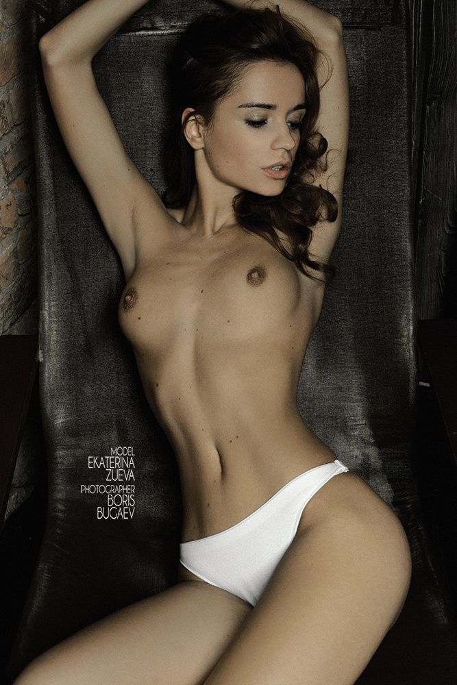 beautiful naked girls with cameltoes