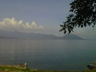 Love Love Traveling: Jatiluhur Lake from the eyes of Blackberry camera nice place for holiday to avoid the traffic jammed