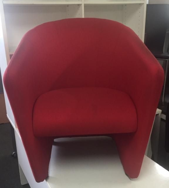 2nd hand Tub chair Red fabric