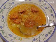 Kapusta je vykvasená, počasie nevľúdne, čas na kapustovú polievku plnú vitamínov.