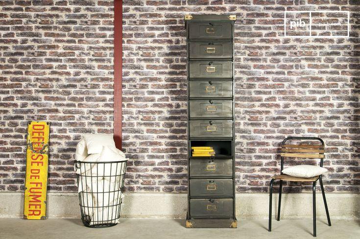 Cassettone metallico a 10 piani e molti altri credenze da scoprire su PIB, lo specialista in arredamenti, illuminazioni e decorazioni vintage.