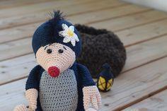 Häkelanleitung Maulwurf mit Erdhügel, Blume und Laterne https://www.crazypatterns.net/de/items/16891/haekelicious-maulwurf-mit-erdhuegel-blume-und-laterne
