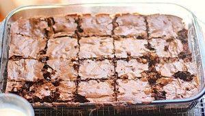 Brownies de Nutella Autor: Sol Toledo Edición: RecetasJudias.com Tipo de Receta: Galletas y Petit Fours Ingredientes ½ taza de mantequilla