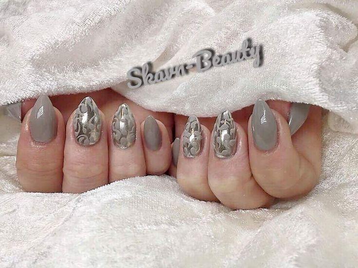 Et mega flot sæt akryl negle lavet af Skavn-beauty med produkter fra Nail4you.