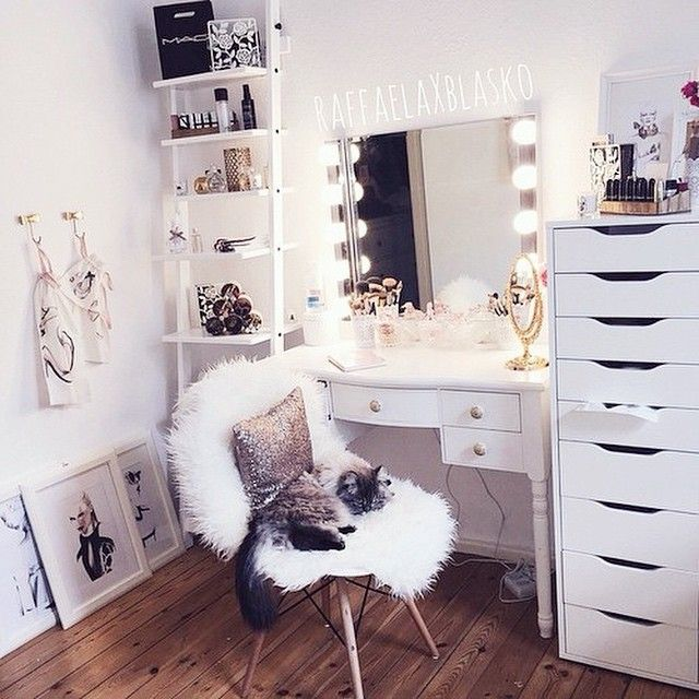 Makeup Dresser Ideas Beauteous 258 Best Makeup Vanity Ideas Images On Pinterest  Vanity Room Design Ideas