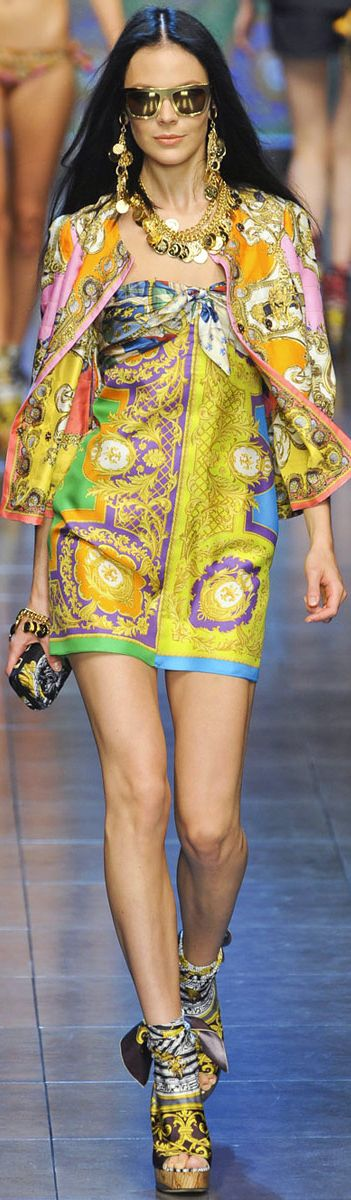 Dolce & Gabbana for those days and nights of summer....what flair and I bet it is prettier in person as well!