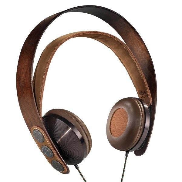 Schon wieder son neuer On-Ear-Kopfhörer? Nee, der hier ist extrem speziell: Das Birkenholz ist FSC-zertifiziert, das verwendete Aluminium und Kupfer, das besonders weiche Leder und das Kopfband aus Baumwolle lassen sich wiederverwerten also alles nachhaltig und umweltfreundlich.