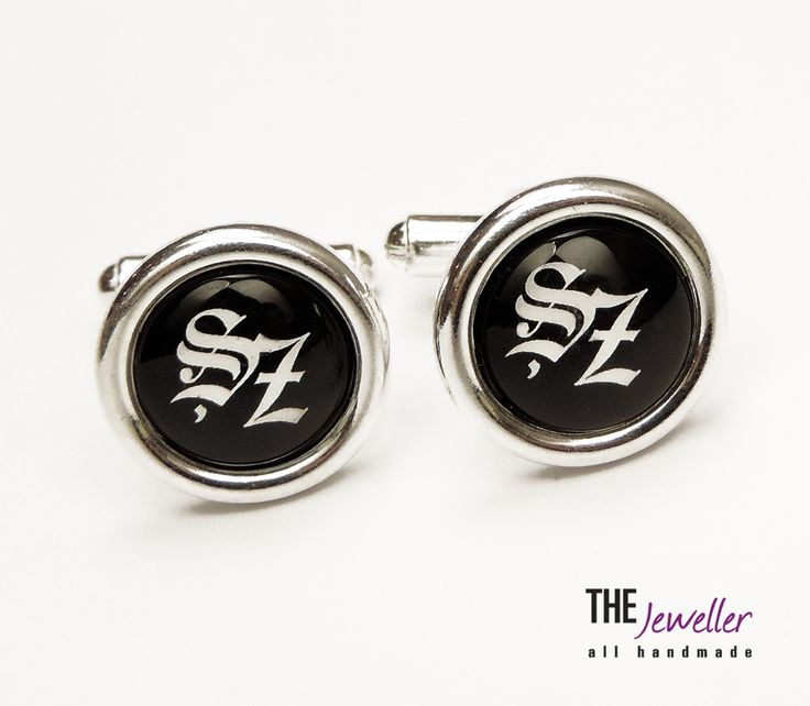 Butoni de cămaşă din argint 925 personalizaţi cu litere gotice #http://www.pinterest.com/giuliajewellery/