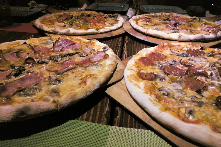 That's a real Pizza in Hangzhou!   http://bit.ly/2dUTlnB