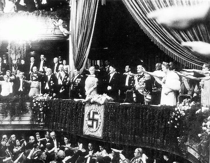 Regent Horthy Miklós and his wife next to Hitler refuse to use the nazi salute, proving that they and Hungary had the courage to remain Hungarian!