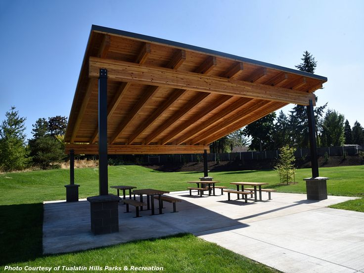 Pavilion With Attractive Glulam Beams And Steel Posts