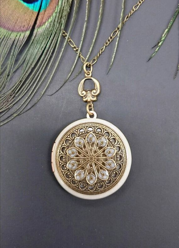 NEW,,,Vintage style Locket Necklace - Vintage Antique brass Ornately Decorated Pendant Jewelry - christmas gift - friends - family