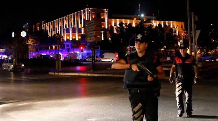 ΕΚΤΑΚΤΗ ΕΙΔΗΣΗ: Σε εξέλιξη στρατιωτικό πραξικόπημα στην Τουρκία