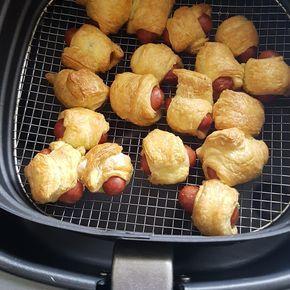 Knakworstje met bladerdeeg 10 min in de airfry! Leuk om met de kinderen te doen