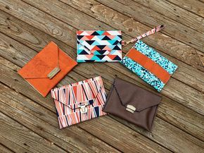 Use your Emmaline Bag locks and fat quarters to whip up these Pepper Party Clutch bags. The tutorial shows you how to use our handmade and tongue, thumb locks, as well as the Snappy!