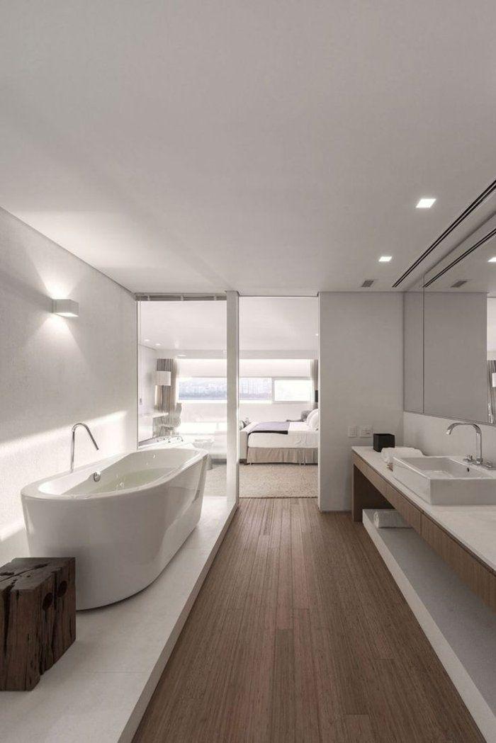 Salle De Bain De Luxe Avec Interieur Blanc Avec Images Salle De Bain Design Idee Salle De Bain Salle De Bain Contemporaine