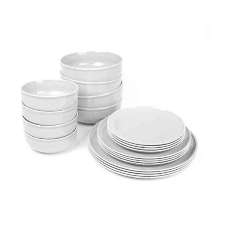 A perfect starter set for your dinnerware collection, these porcelain utensils add a touch of elegance to any meal.