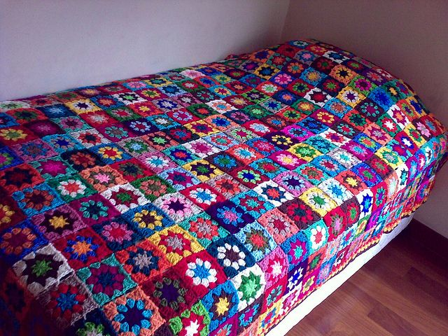 As promised... A better pic of the many colors granny squares blanket. by LauraLRF, via Flickr