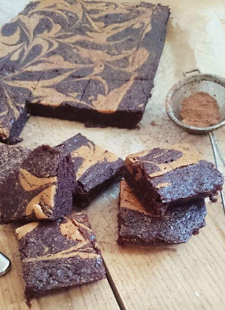 Ruokakonttuuri: Maapähkinävoibrowniet / peanut butter brownies