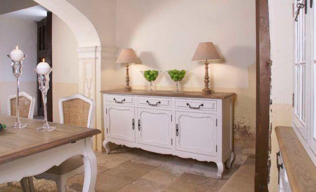 5 errores a evitar al limpiar tus muebles de madera y tus muebles siempre lucirán así de bonitos: Comedor mod. Luis XIV de Artelore.