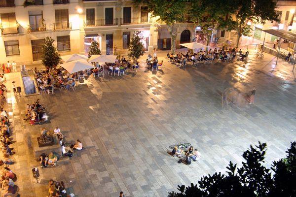 Plaza del Sol. Barri de Gràcia. Barcelona, Catalonia