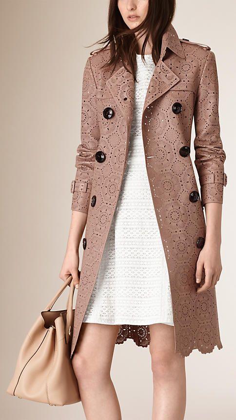 Crudo Trench coat en piel de ovino con motivo de encaje perforado con láser - Imagen 2