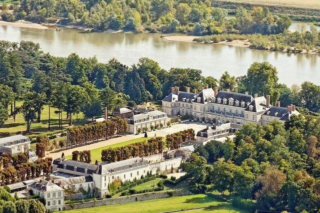 Versailles to Victoria: Chateau of the day: Château de Menars