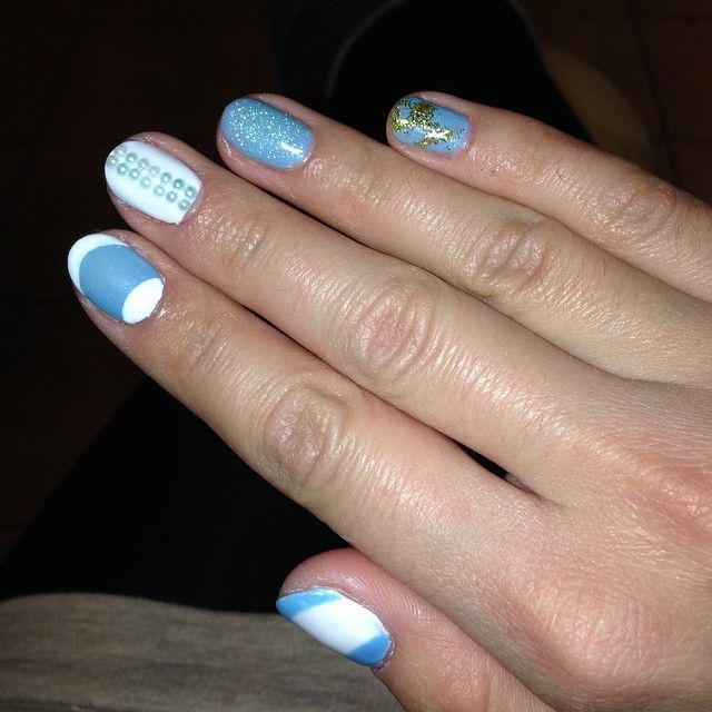 #uñas #unhas #unghie #ungles #nail #nails #fashion #christmas #design #decoración #cnd #shellac  #sansebastian #donostia #fashion #style #manicure #gel #nailart #art #blue  #white #azurewish