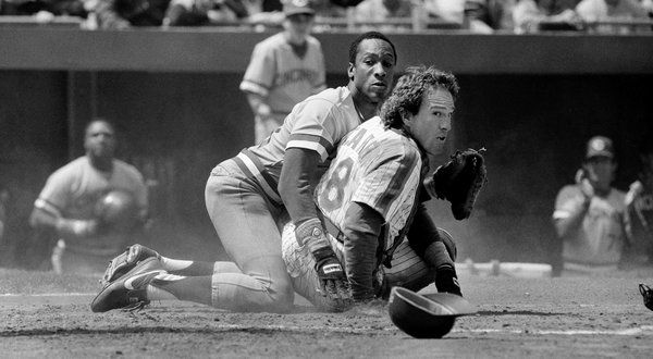 Gary Carter (right), Star Catcher Who Helped Mets to Series Title, Dies at 57