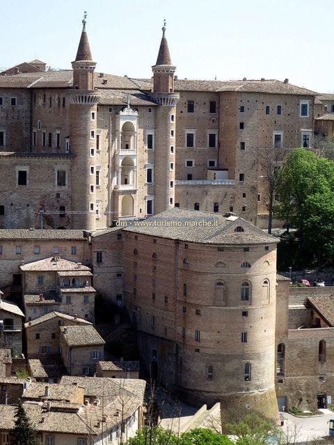 Veduta del Palazzo Ducale dalla Fortezza Albornoz, Urbino  Italy