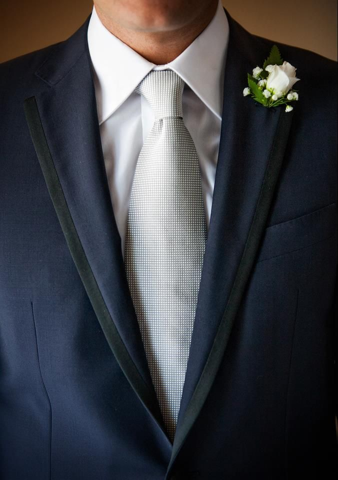 Abito sposo , cravatta , pochette , camicia,fiore all'occhiello  #Wedding #Details #Groom #Tie #Smoking