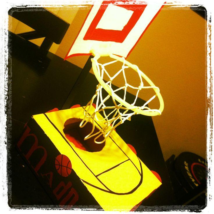 foto de Basketball Valentine Box Valentines day Pinterest Boxes Basketball and Valentines