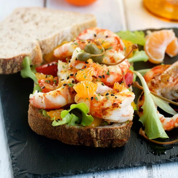Grilled shrimp, peppers and clementine panino