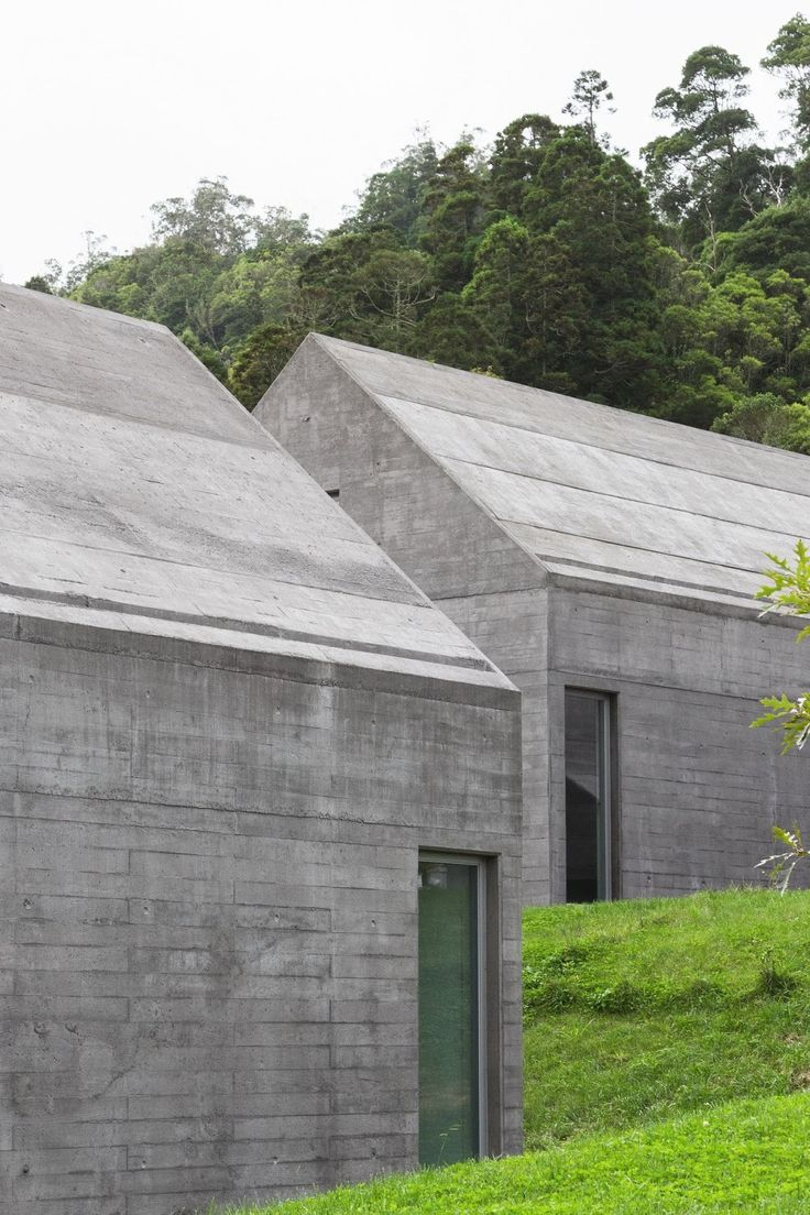 Souto de Moura . Pimenta . 27 cost-controlled houses . Sete Cidades (9)