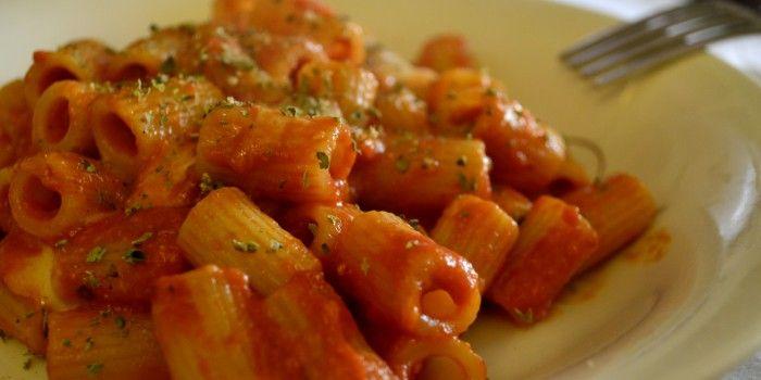 mezze #maniche gustose #ricetta http://blog.giallozafferano.it/tasteit/mezze-maniche-gustosissime/