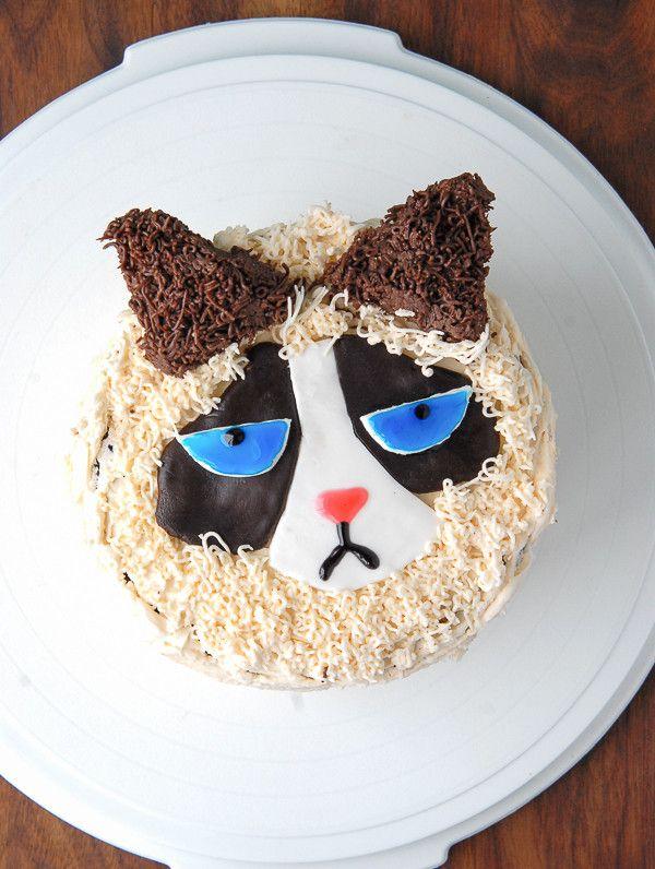 Les 25 meilleures id es de la cat gorie g teaux de chat grincheux sur pinterest schtroumpf - Stroumph grincheux ...