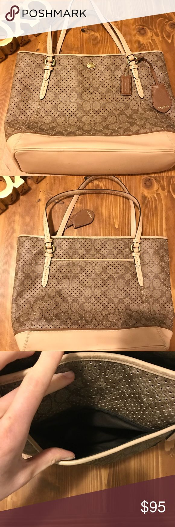 Authentic Coach Tote❤️❤️ Authentic Coach Tote Bag! Great condition! Minor scuffs on bottom shown in picture. Perfect Spring 💐 tote! Coach Bags Totes