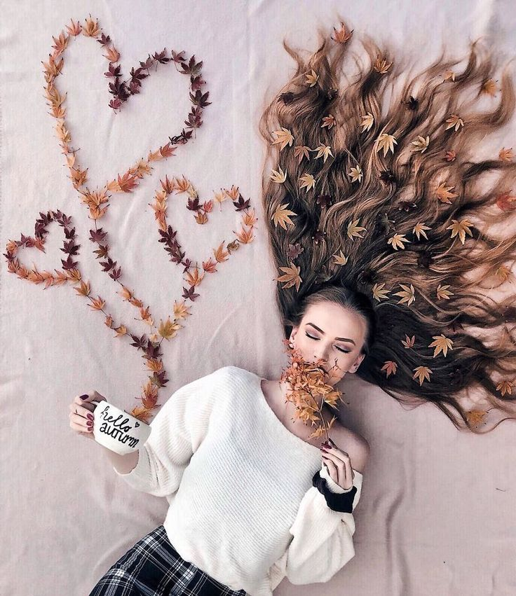 Artist Arranges Amazing Photo Shoots That Show-Off The Beauty Of Her Hair