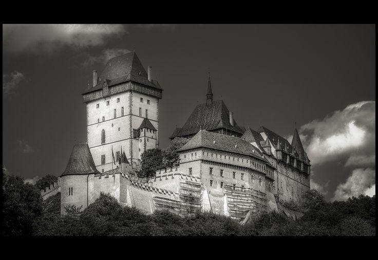 Karlštejn Castle bw - null