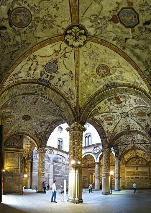 Vista interior del Palacio Becchio, Florencia Italia