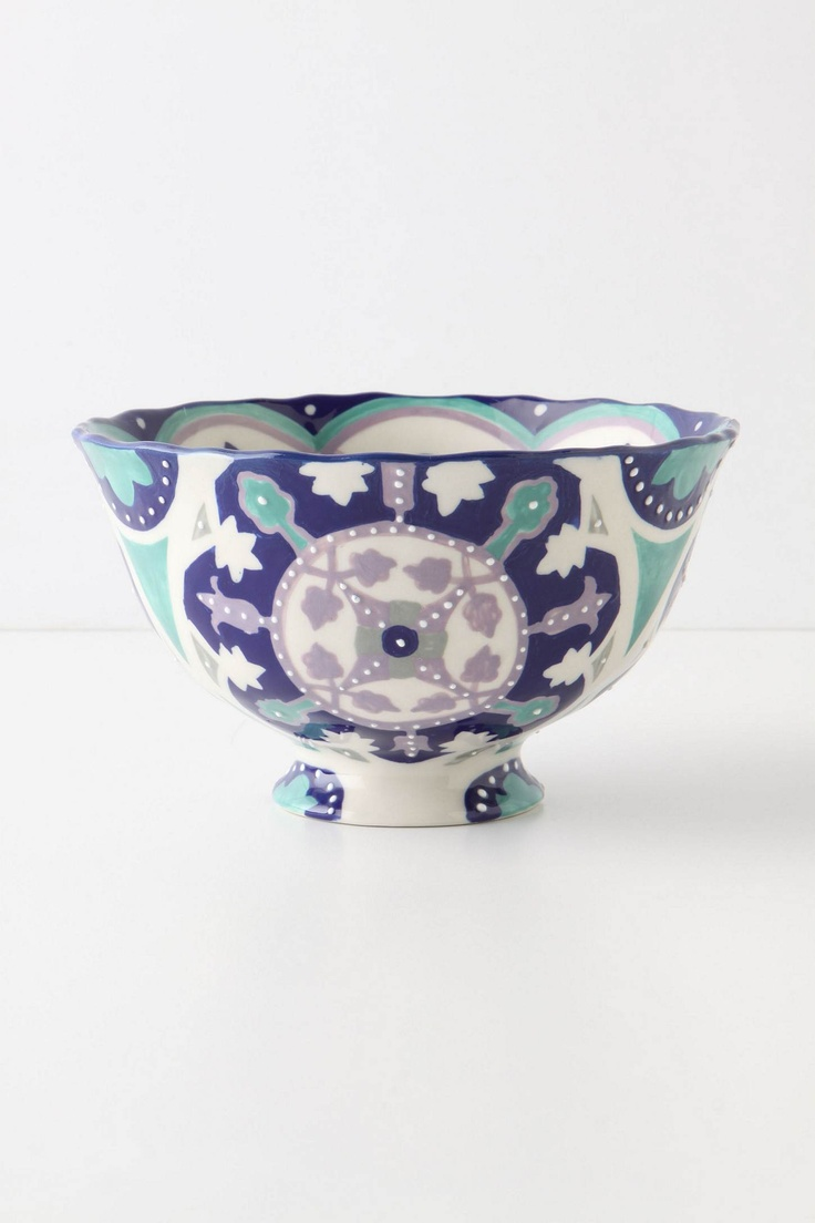 Love this bowl! If only they had plates to match!