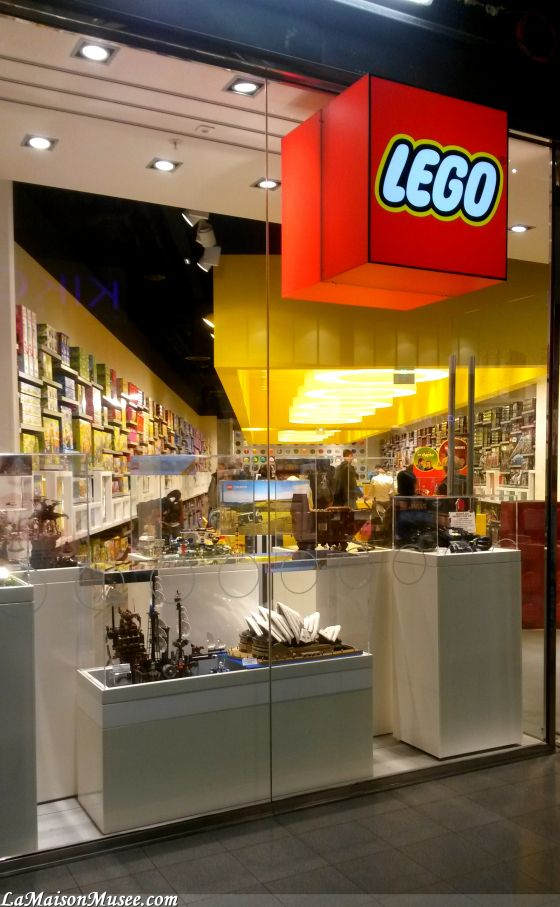 LEGO Shop Lille   More here! http://lamaisonmusee.com/