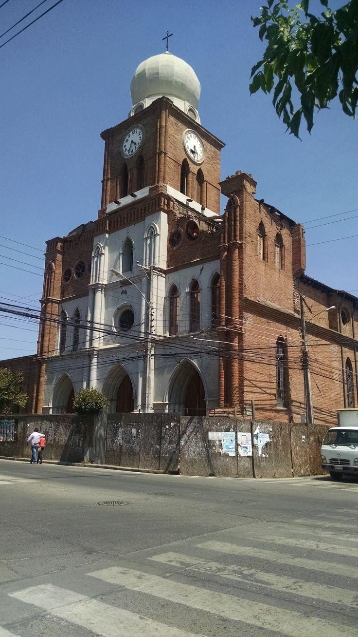 Iglesia San Francisco, ubicada en San Fernando, VI Región, Chile.  A casi 5 años del terremoto grado 8,8 del 27 de Febrero del 2010.