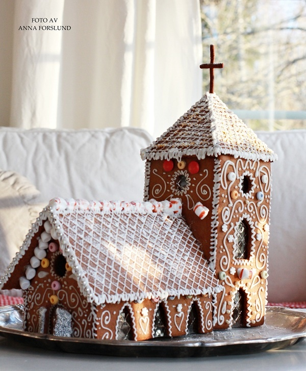Gingerbread church...Wow, that's lovely. It's not nice to show off though! :)
