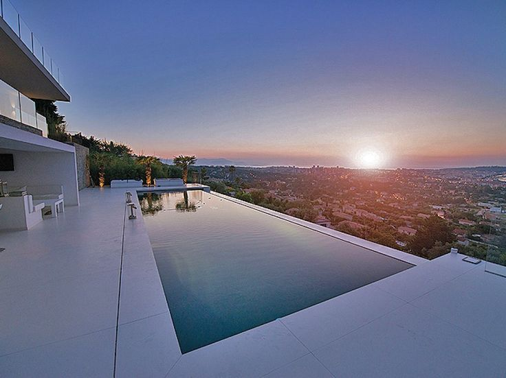 New modern villa on the French Riviera