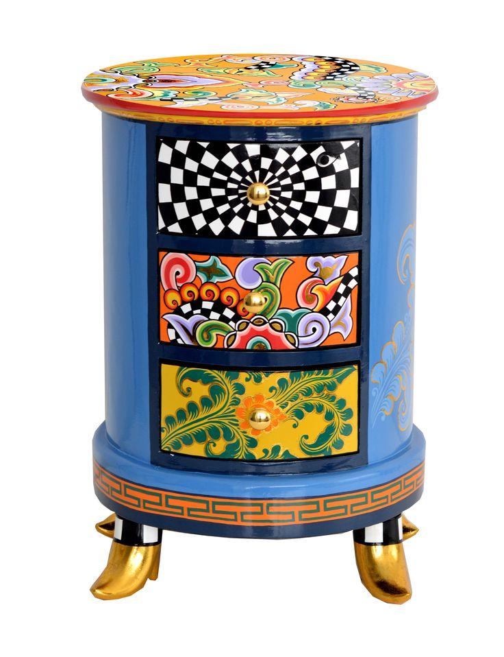 Diesen Schubladenschrank und viele andere bunte Kommoden von TOMS DRAG gibt es bei uns im Online Shop - www.amaru.design.com