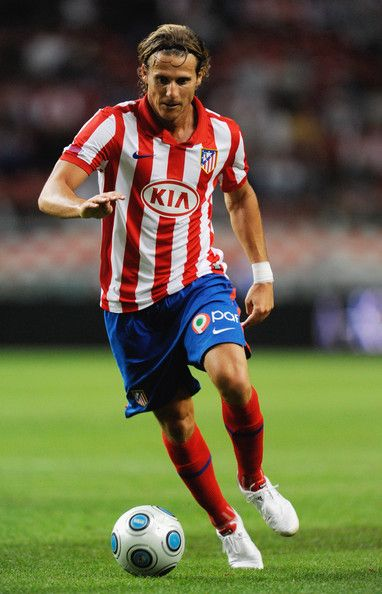 Diego Forlan is a famous soccer in uruguay.  Born 19 May 1979.  Plays as a forward for Internacional and the Uruguayan national team.