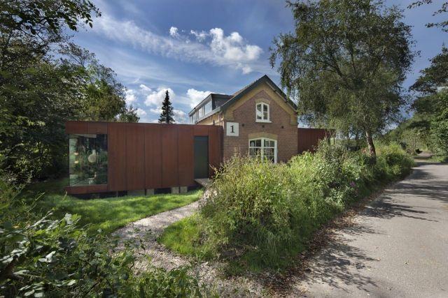 Egyszer volt, hol nem volt egy régi, vasúti ház…Amszterdamban | design.hu
