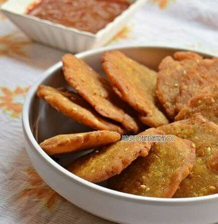 Dudhi Jowar Dhebra - easy gujarati farsan!  Recipe here: http://www.magicofindianrasoi.com/2016/03/dudhi-jowar-na-dhebra-recipe-gujarati.html